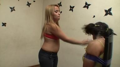 FIGHTING GIRLS / Slap And Kick - Loira Nova And Thais Monteiro