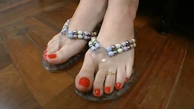 FOOT FETISH / Feet Fight - Manuela