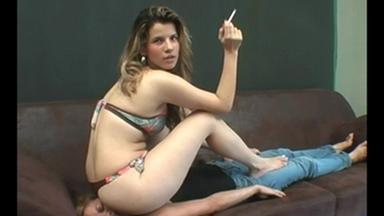 FACE SITTING / Buttdestructive Armchair - Rafaella Petriutti