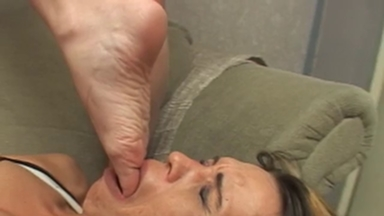 FOOT FETISH / Deep Feet - Manuela Hard Fight