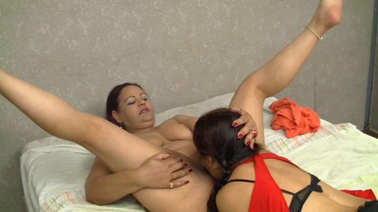 real mother daughter lesbian videos