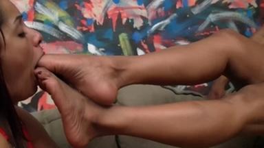 Deep Feet - Bruna Minelli