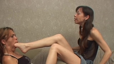 FOOT FETISH / Deep Feet - Manuela Hard Fight
