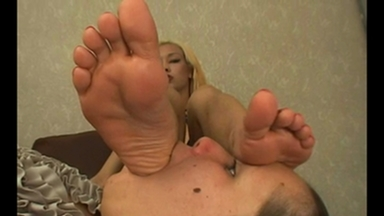 FOOT FETISH / Feet Domination - Sara The Blonde