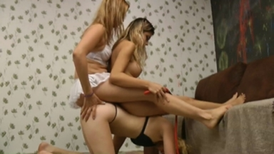 Ponygirl - Grazi Alves And Simone Guedes