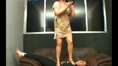 Trampling - Coroa And Melinda