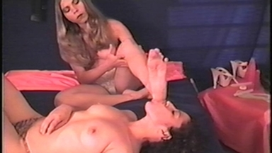 Deep Feet - Lela And Slave Tammy