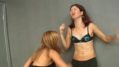 FIGHTING GIRLS / Belly Punch - Tatty And Georgina