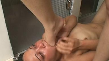 FOOT FETISH / Deep Feet Bathroom Deaster - Tatty, Slave Mona