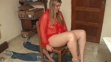 FOOT FETISH / Deep Feet Boy - Alexia And Slave Romarinho