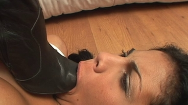 FOOT FETISH / Deep Feet Ploice - Giovana Miller, Alexia And Slave Gaby