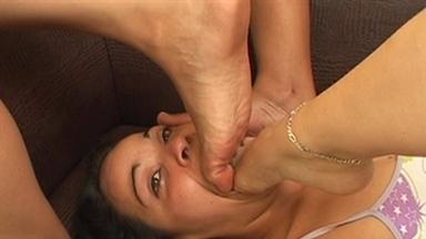 FOOT FETISH / Deep Feet - Bianca, Alexia, Nana And Slave Luana