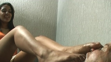 FOOT FETISH / Dirty Feet - Victoria And Slave Anne