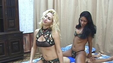 FACE SITTING / FaceSitting - Sarina, Melissa And Slave Adriana