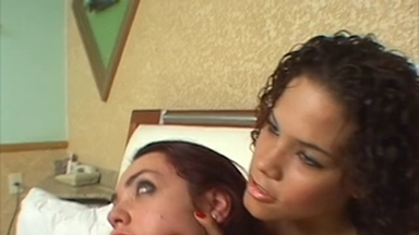 SMOTHER / HandSmother - St Big Hands Giant Vanessa Rios And Slave Meg Costa