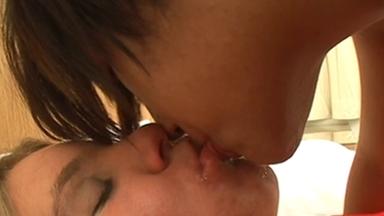 LESBIAN / Spitting Lesbians - Alexia And Samira
