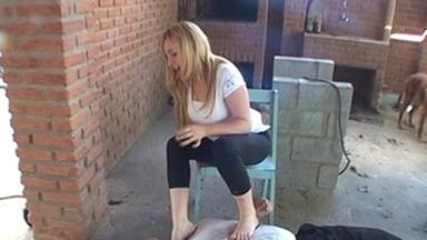 FOOT FETISH / Strangle Feet Boy - Andressa And Ferraz