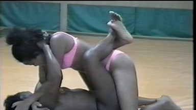 FIGHTING GIRLS / Wrestling - Isabel And Suzy - Classics