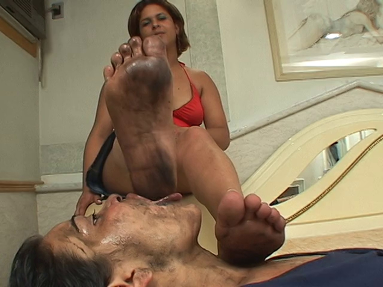 forced-to-lick-moms-dirty-feet