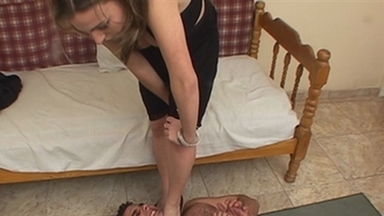 FOOT FETISH / Dangerous Feet Boys - Cyntia And Slave Julio