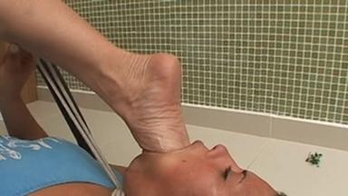 Deep Feet Eat Food - Eduarda And Janice