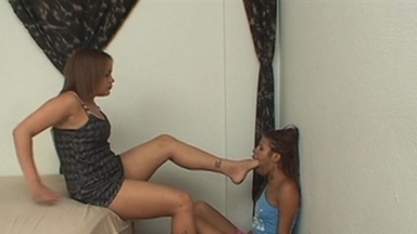 Dirty Feet - Bianca and Slave Narinha
