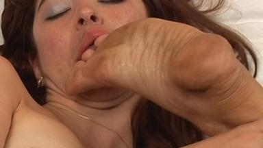 Dirty Feet - Camilla And Slave Tatty