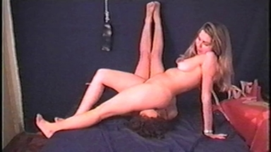 FACE SITTING / FaceSitting - Lela And Slave Paulinha