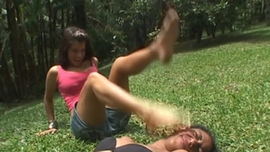 FIGHTING GIRLS / Slap And Kick - Rafaela Petriuti And Slave Raquel