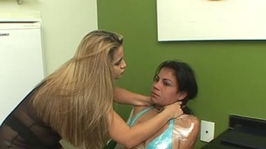 Strangle Hands - Giovana And Slave Gaby