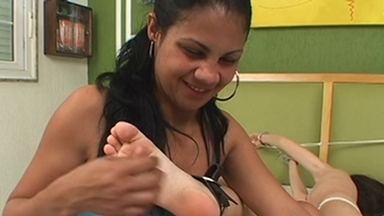 LESBIAN / Tickling - Rabea And Sziklana