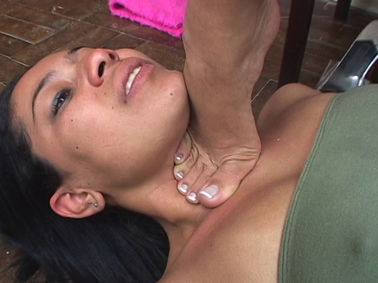 19 year old dominatrix snaps nuts with rubber band 9