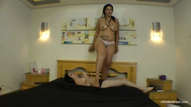 TRAMPLING / Trample Giant Crushing Chest  Adriana Bertolli And Sammy