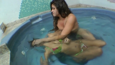 SMOTHER / Controled Air Underwater - Feel The Depth By Fernanda Rodrigues And Vivi