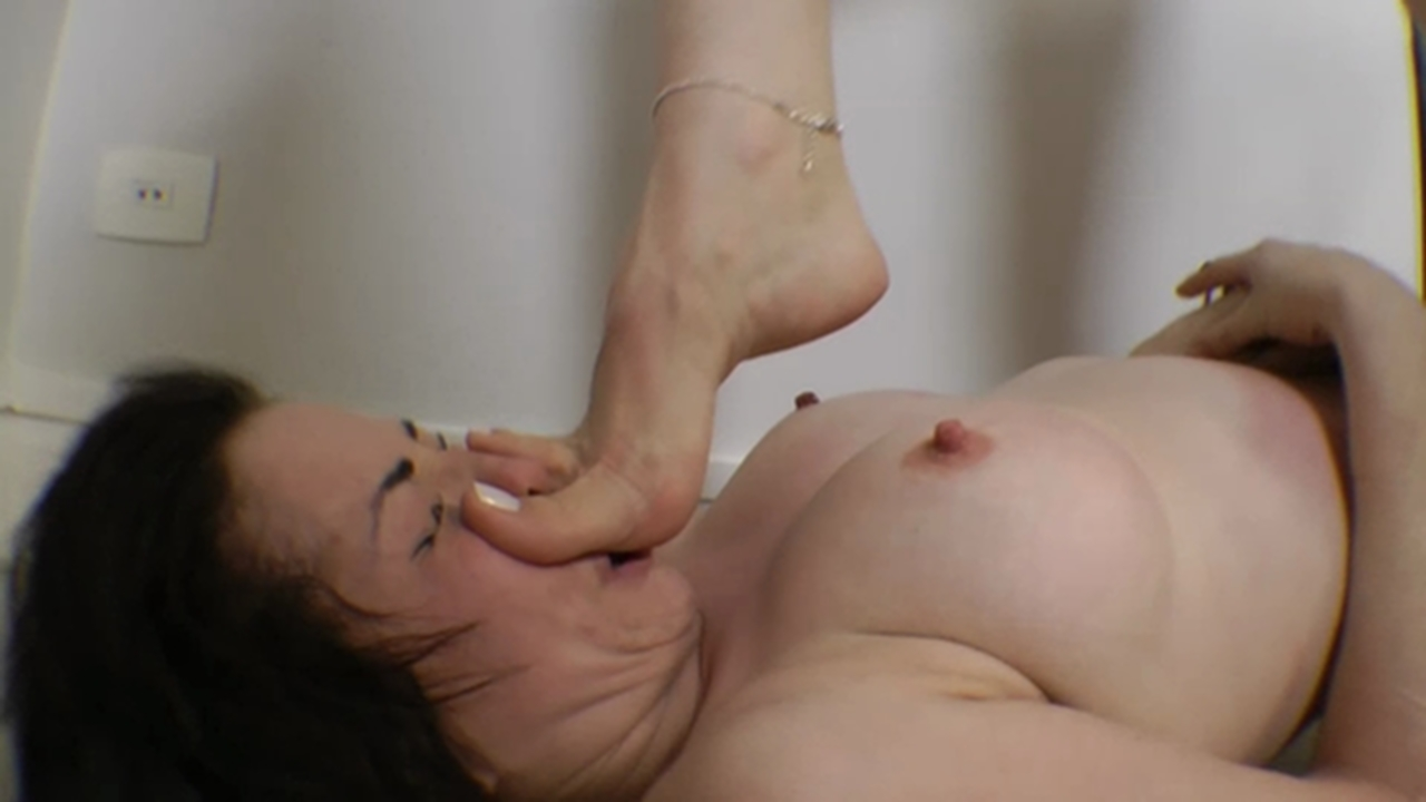 Daughter started sucking my cock