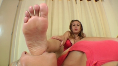 Big Feet Domination Big Size 9,5 By Giant Girl Tati Davessa