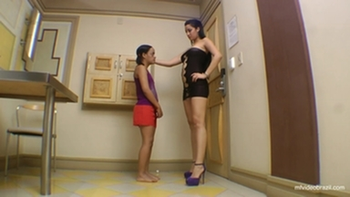 FOOT FETISH / Dangerous Feet - The Perfect Feets And Nails By Top Model Francesca Giant And Vaninha