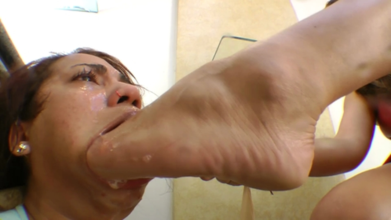 foot worship deep absolutely