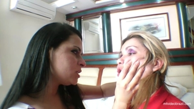 Hot Domination Kissing Girls - The Long Tongue By Hannah Pessioto And Patyzinha
