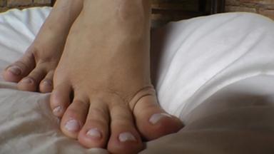 FOOT FETISH / Deep Feet The Annihilating By Top Girl Radassa And Tammy