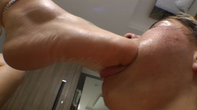 FOOT FETISH / i The Giant Girl Will Feel Your Throat With My Feet Bitch By Wanessa Mendes And Isabela