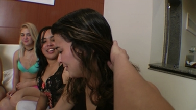 Hot Kisses Roulette Game - The Gang Bang Kiss Party With 6 Girls By Hannah Pessioto And Samatha Mark