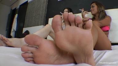 Feet Spitting Triple Top Models By Lola Mello - Karina Cruel And Top Slave
