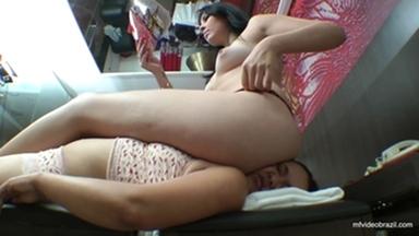 SOFA GIRL / Sofa Giant Girl By Thalya Castori And Eliete