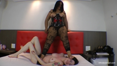 TRAMPLING / Tramplig Heavy Weight Milf By Linete Thiermo And Sammy