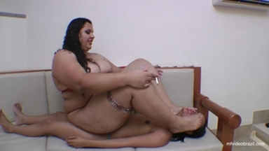 Sofa For Fat Girl By Marta Mastro And Vaninha
