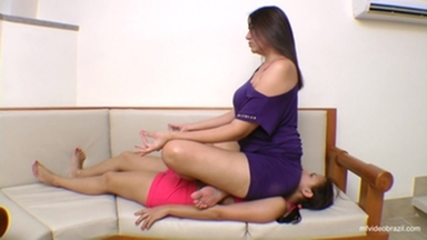 Sofa Giant Girl By Tati Devassa And Vivi