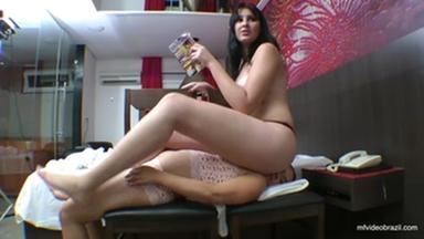 Sofa Giant Girl By Thalya Castori And Eliete