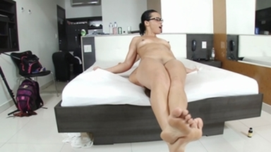 Face Sitting Fuck Face By Crazy Nicolle Ferraz And Her Slave Fabi Costa
