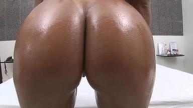 Lesbian Domination Wild Pussy Lick By Nanda Rios And Slave Bruna